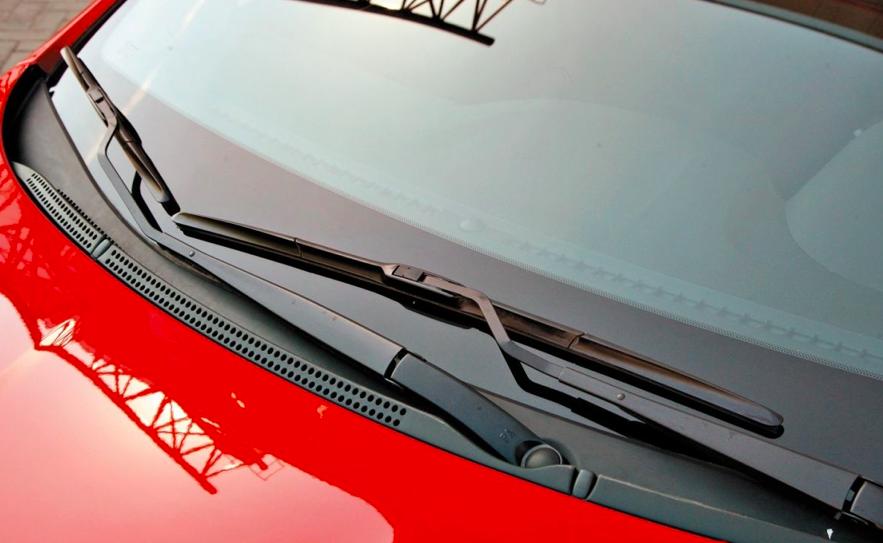 Audi a4 / ауди а4 2005-2007 щетка стеклоочистителя бескаркасная правая